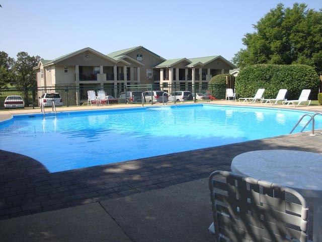 MO, Branson Resort Family Fun for everyone - Branson - Condominium
