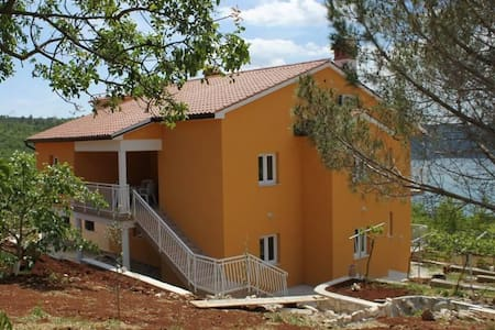 One bedroom apartment with terrace and sea view Trget, Raša (A-7687-b) - Trget - Huoneisto