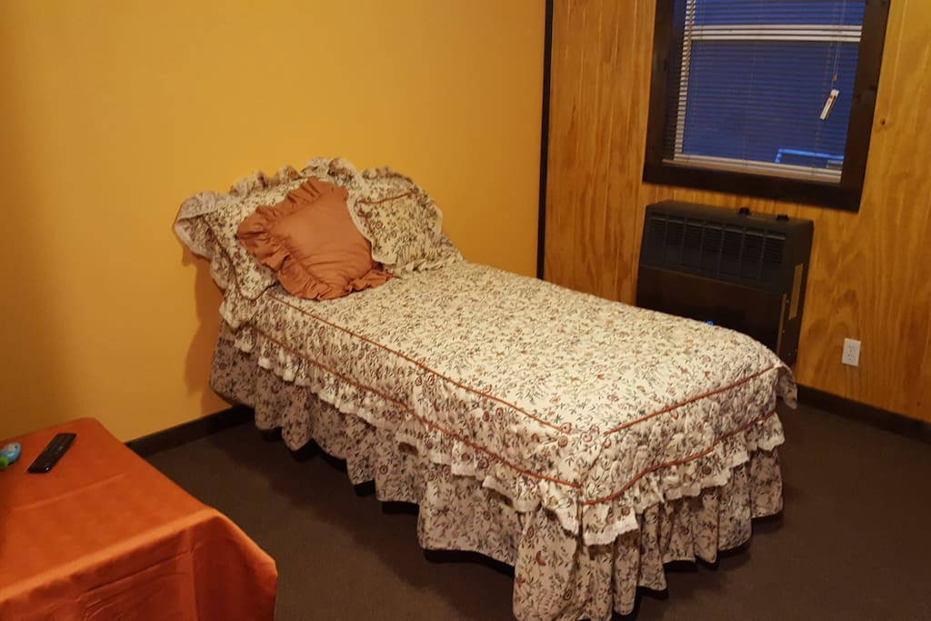 2nd bedroom twin bed