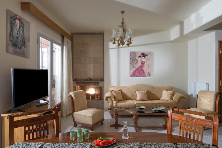 Efrosini Luxure Home in Heraklion city