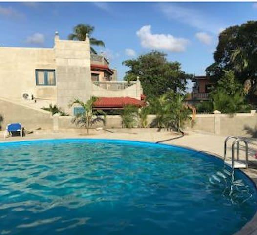 Casa Jörg / Hostal Las Palmas Trinidad-Casilda