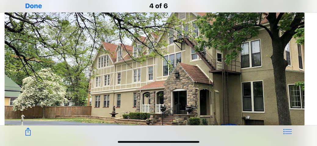 Rader Manor Inn