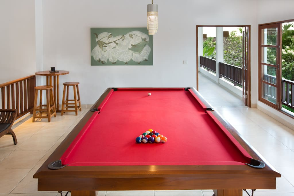 9' American pool table