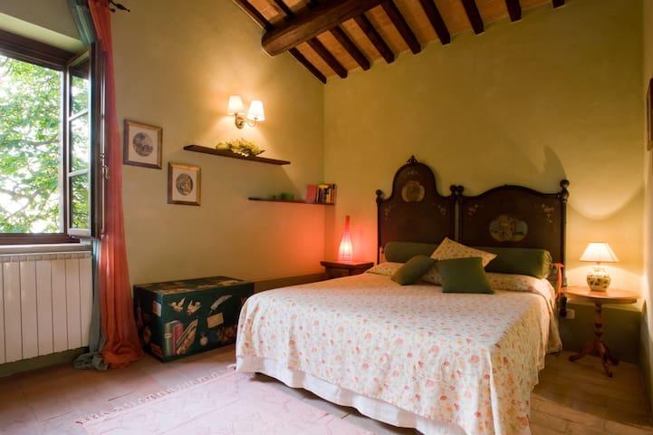 Bedroom 8  has a queen size bed