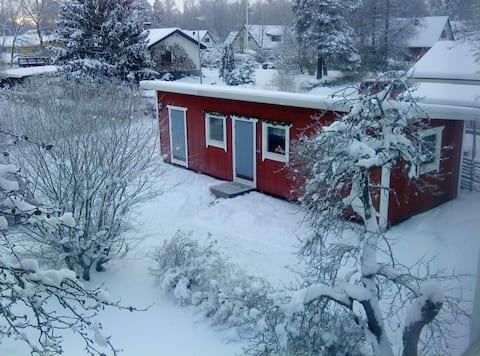Charmig Lillstuga nära Stockholm och Arlanda