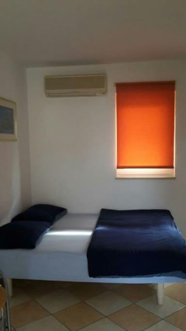 veliki bracni krevet 180 ×200