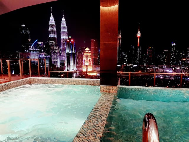 4601A Cozy Condo with KLCC & KL Tower view