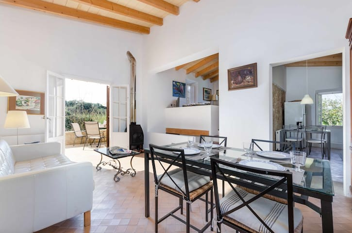 YourHouse Nargonyana, villa with private pool and garden in Artà