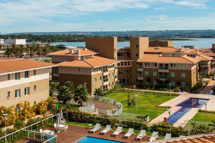 Flat em Resort , Beira do Lago , Proximo Esplanada