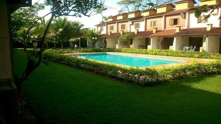 Casa em condomínio Caraguatatuba Massaguaçu. Linda
