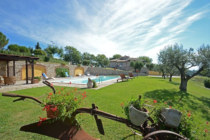 COLLE DEL SOLE  7+1, Exclusivity Emma villas - Montecastrilli