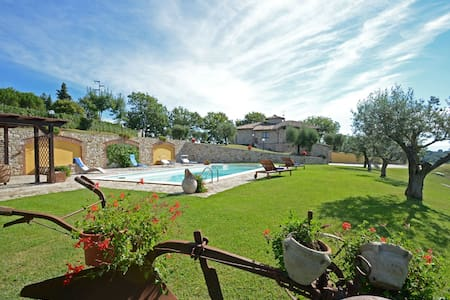 COLLE DEL SOLE  7+1, Exclusivity Emma villas - Montecastrilli