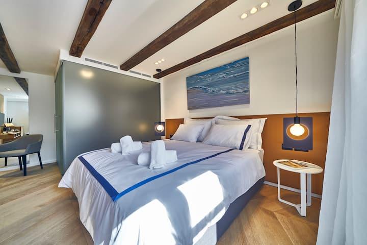 Deluxe Double Room B in Villa Pergola