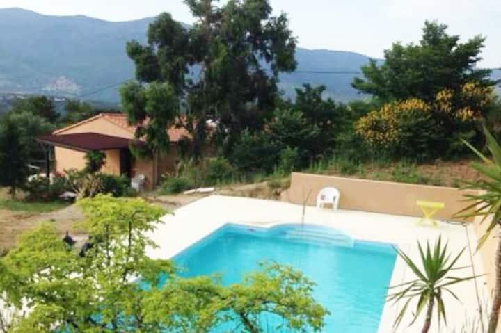 Superbe maison au pied du Canigou avec piscine