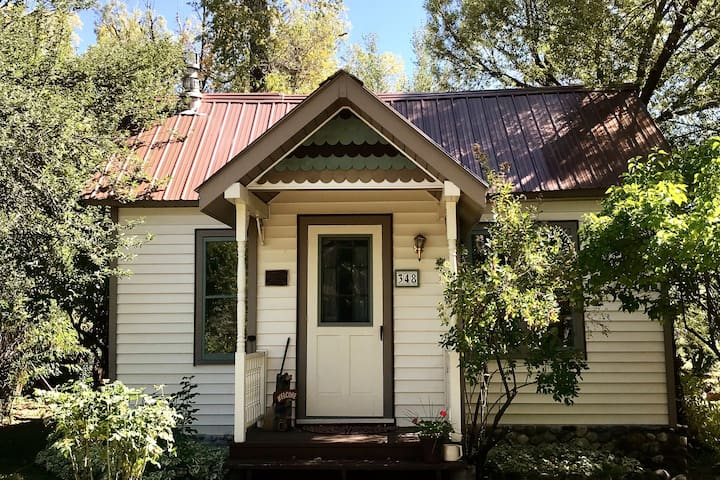 Historic Downtown Cottage on The Creek w/ Carport
