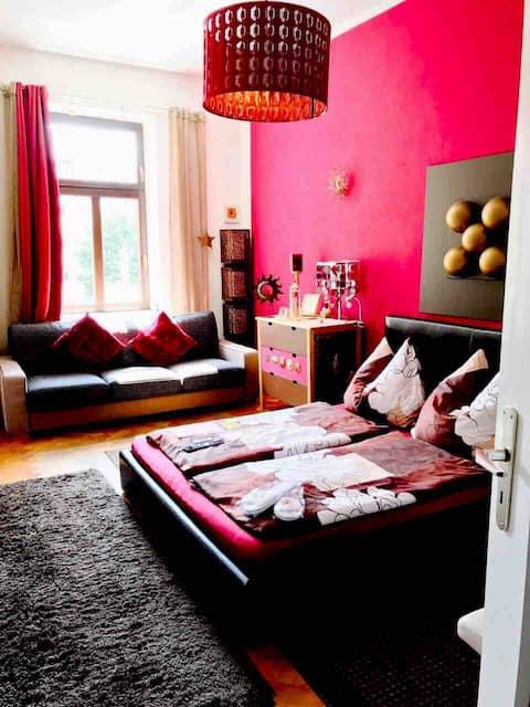 nice charming calm room in an old neighbourhood