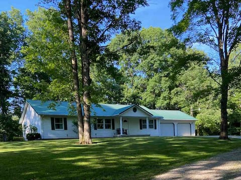 Country Ranch Home in the heart of Meigs County