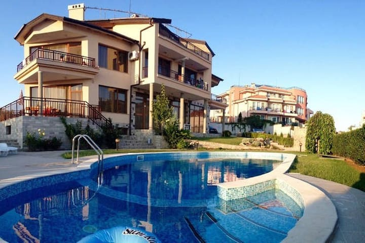 Economy room in family hotel Dreams - Sozopol - Villa