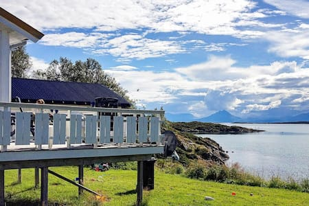 8 person holiday home in Stonglandseidet