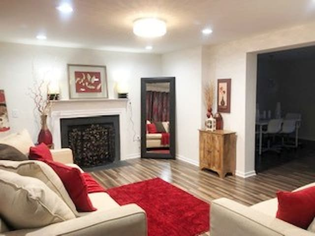 Beautifully Renovated DC Home with FREE Parking!