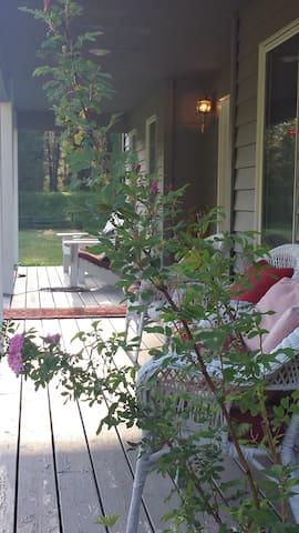 A Wild Rose-Private mins to Glacier - West Glacier - House