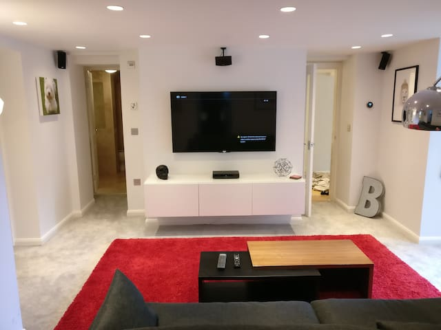 Luxury Modern Garden Apartment - Harrogate - Daire