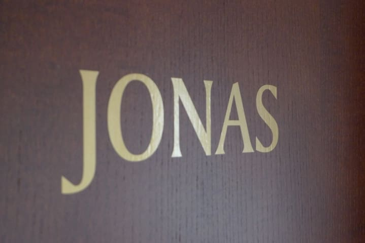 Apt JONAS in celebrity area on the Bichlalm