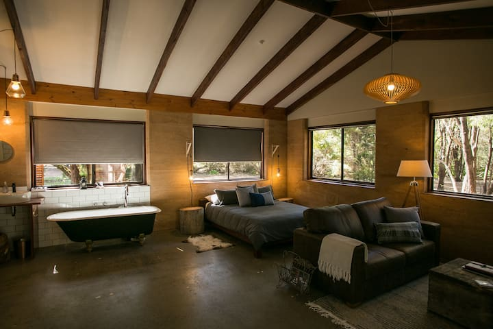 Cascade Cottage, a Couples Retreat - Karridale - スイス式シャレー