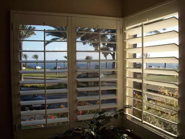 Ocean view condo, close to beach