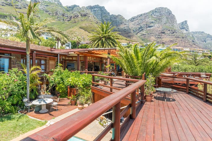 Camps Bay Forest House Sea/Mountain views
