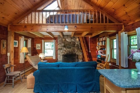 Stetson Hollow Cabin by Stetson Brook