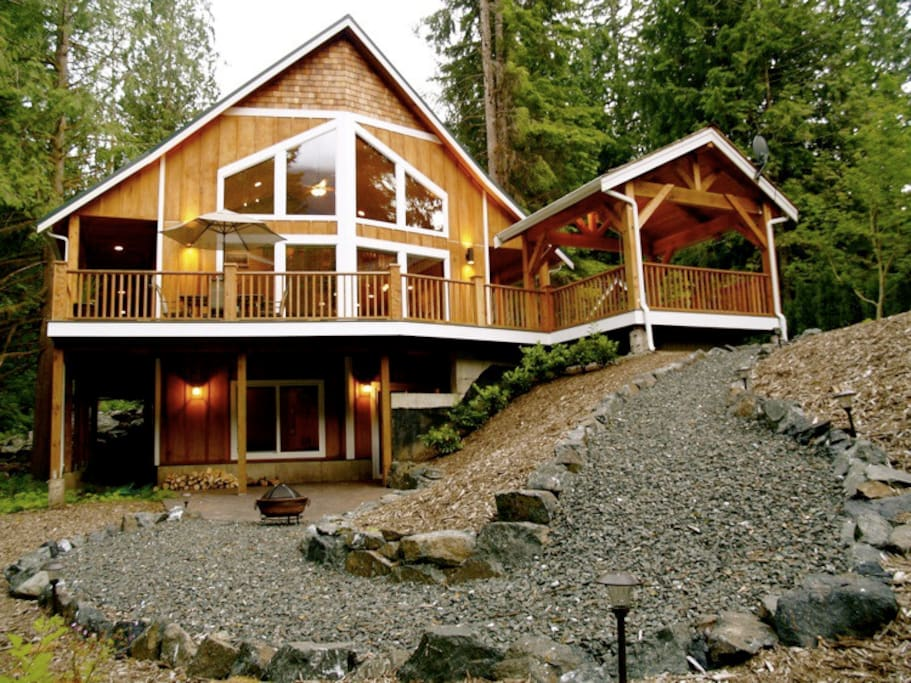 Luxury 3 Level Chalet-Perfect for Families and Large Groups