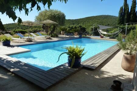 T3 dans villa avec piscine partagée - Cavalaire-sur-Mer - Apartament