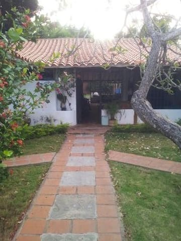 Spacious and relaxing beautiful rustic house - La Asunción - Casa