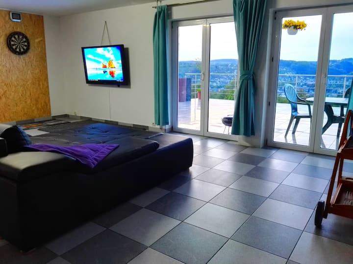 Großes Apartment nähe Badesee mit Bergblick