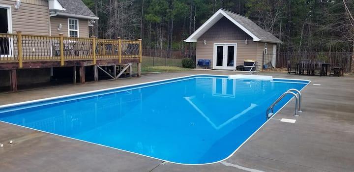 Pool House near Ocoee Whitewater & Mountains