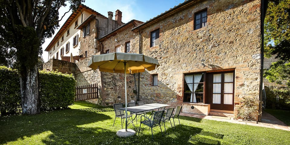 Borgo il Castagno-Apartment for 4 persons