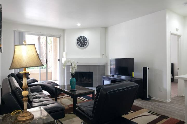 Awesome Mission Valley 2 bedrooms MC1