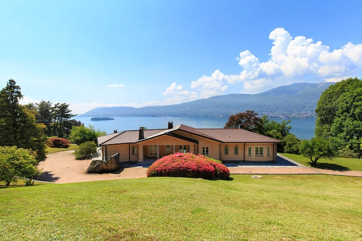 NEW! Bright and shining villa with gorgeous views