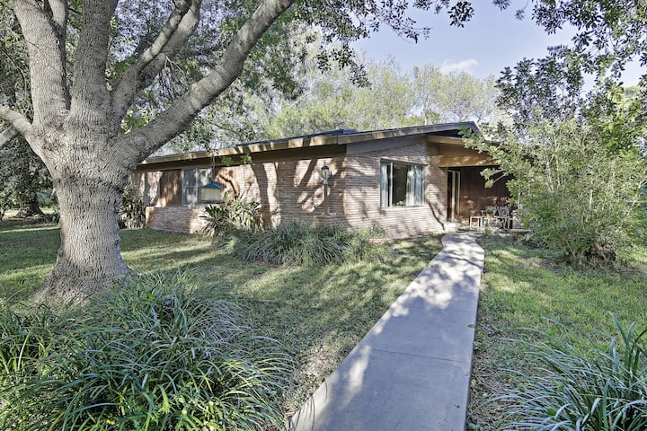 Mid-Century Brownsville House w/ Patio & Porch!