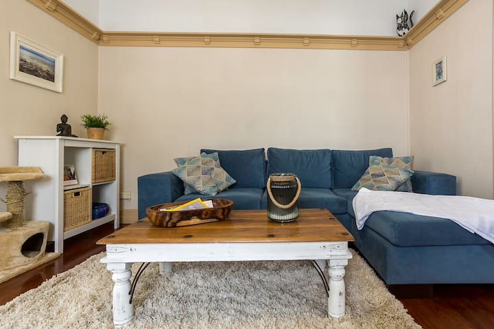 Charming authentic Queenslander - Tarragindi - House