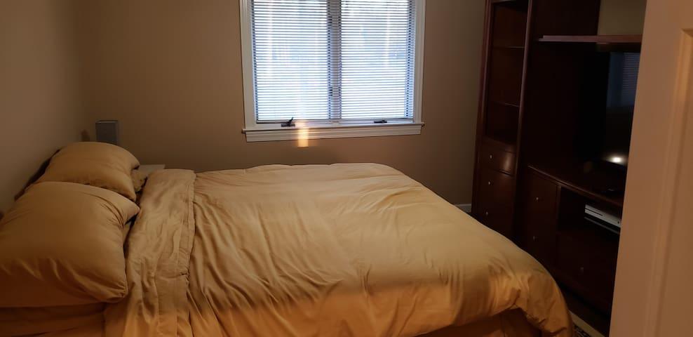 adjustable base king size memory foam bed