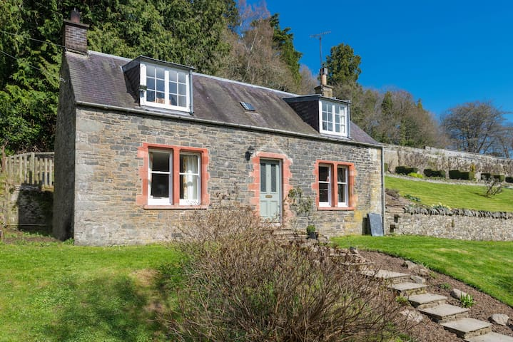 Garden Cottage, The Yair - Galashiels - House