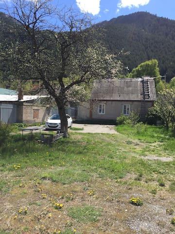 Деревенский домик в Теберде