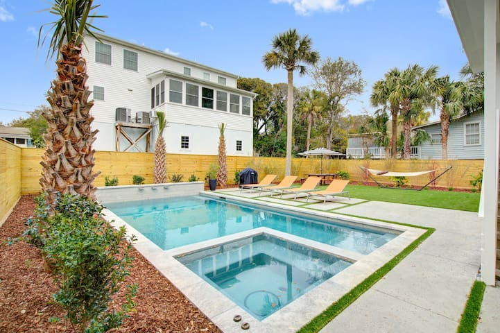 Bright, dog-friendly home w/ private hot tub & pool - short walk to beach