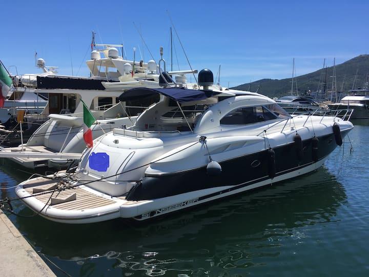 Cabine Double VIP sur Yacht de 18m