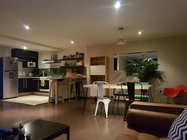 Fully equipped, modern apt in the heart of Condesa