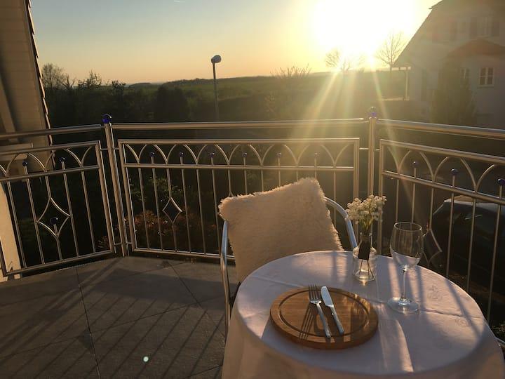 Ferienwohnung Am Hollergraben (Oberschwarzach), Ferienwohnung mit Balkon