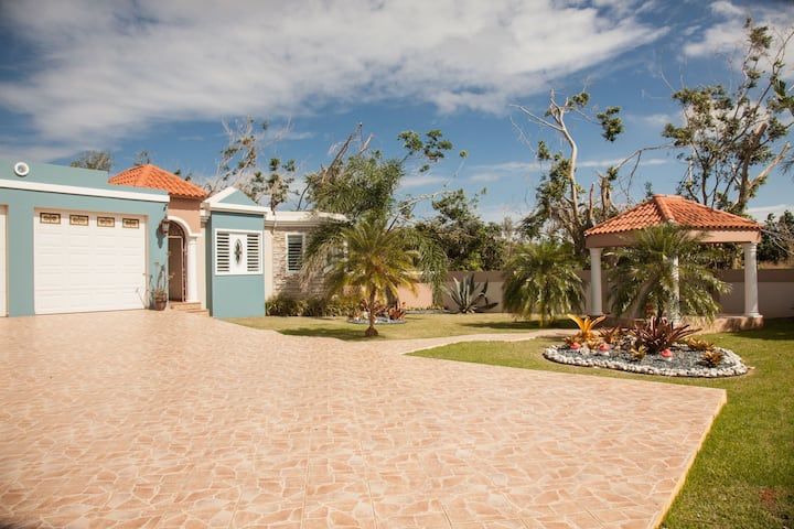 Big vacation house for families Isabela/Aguadilla