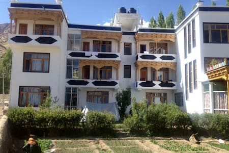 DREAM LADAKH family GUEST HOUSE - Leh - Casa